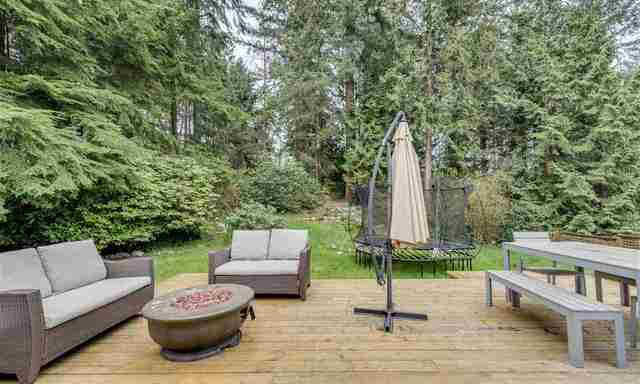 Terrific 1020 Mountain Hgw North Vancouver North Vancouver House Pdpeps Interior Chair Design Pdpepsorg